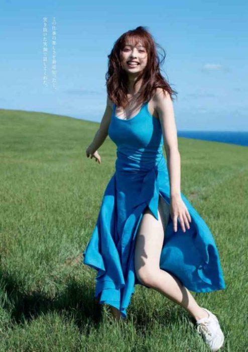 【華村あすかグラビア画像】女優やってるけど水着姿もいっぱい撮って欲しい! 15