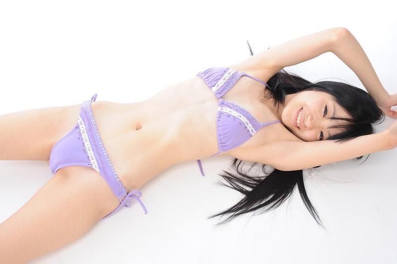 【柳恵梨菜グラビア画像】ストレートな黒髪が美少女感あって可愛いのに勿体ない! 36