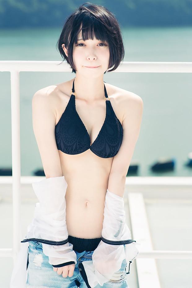 【つぶらグラビア画像】奇跡のスレンダー巨乳美少女の激エロビキニ画像! 10