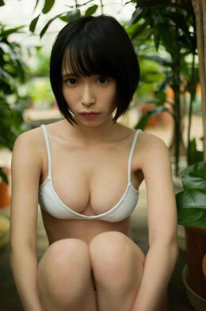 【つぶらグラビア画像】奇跡のスレンダー巨乳美少女の激エロビキニ画像! 104
