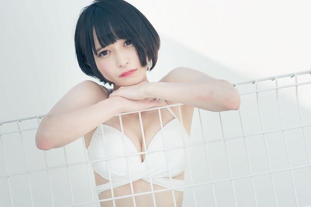 【つぶらグラビア画像】奇跡のスレンダー巨乳美少女の激エロビキニ画像! 54