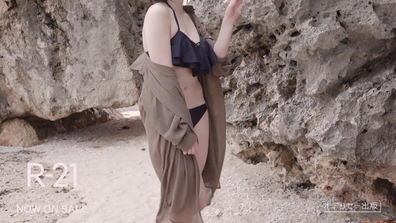 【山岸理子エロ画像】アイドル的な可愛さの中にセクシーさを垣間見る 24