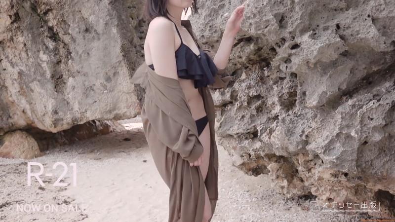 【山岸理子エロ画像】アイドル的な可愛さの中にセクシーさを垣間見る 25