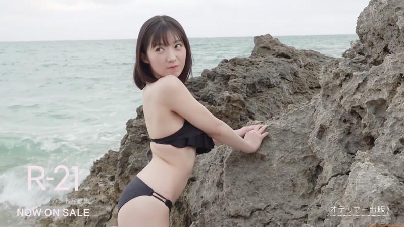 【山岸理子エロ画像】アイドル的な可愛さの中にセクシーさを垣間見る 32
