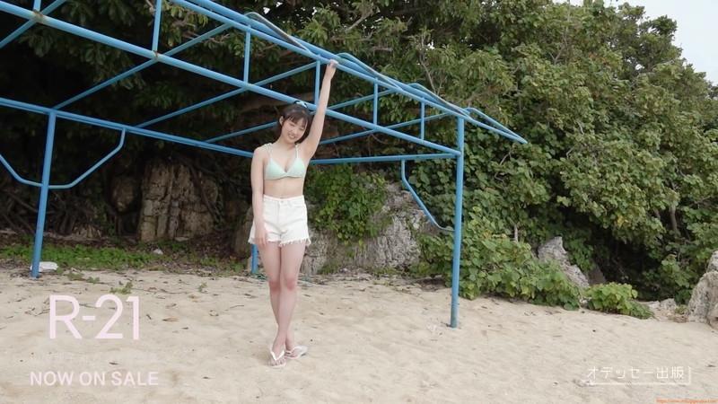【山岸理子エロ画像】アイドル的な可愛さの中にセクシーさを垣間見る 37