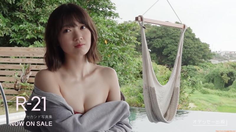 【山岸理子エロ画像】アイドル的な可愛さの中にセクシーさを垣間見る 52