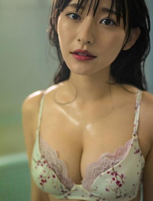 【高崎かなみエロ画像】めちゃかわ美少女が抜ける格好しててチンコ勃つわwwww 43