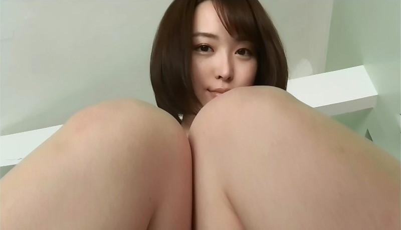 【忍野さらキャプ画像】マイクロビキニやスーパーハイレグがエロ過ぎる美女! 11
