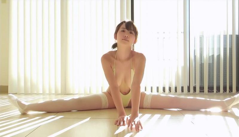 【忍野さらキャプ画像】マイクロビキニやスーパーハイレグがエロ過ぎる美女! 27