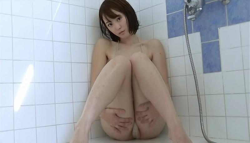 【忍野さらキャプ画像】マイクロビキニやスーパーハイレグがエロ過ぎる美女! 50