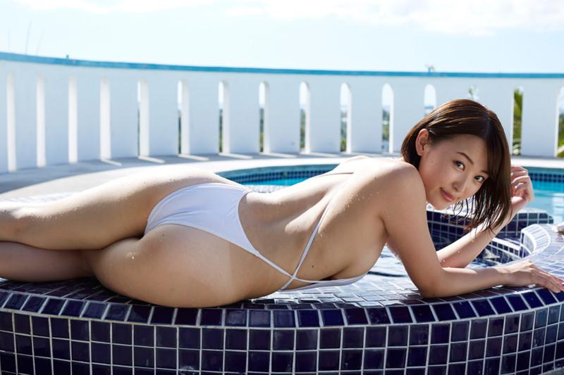 【忍野さらキャプ画像】マイクロビキニやスーパーハイレグがエロ過ぎる美女! 64