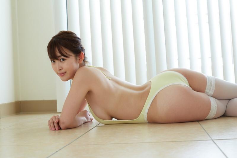 【忍野さらキャプ画像】マイクロビキニやスーパーハイレグがエロ過ぎる美女! 66