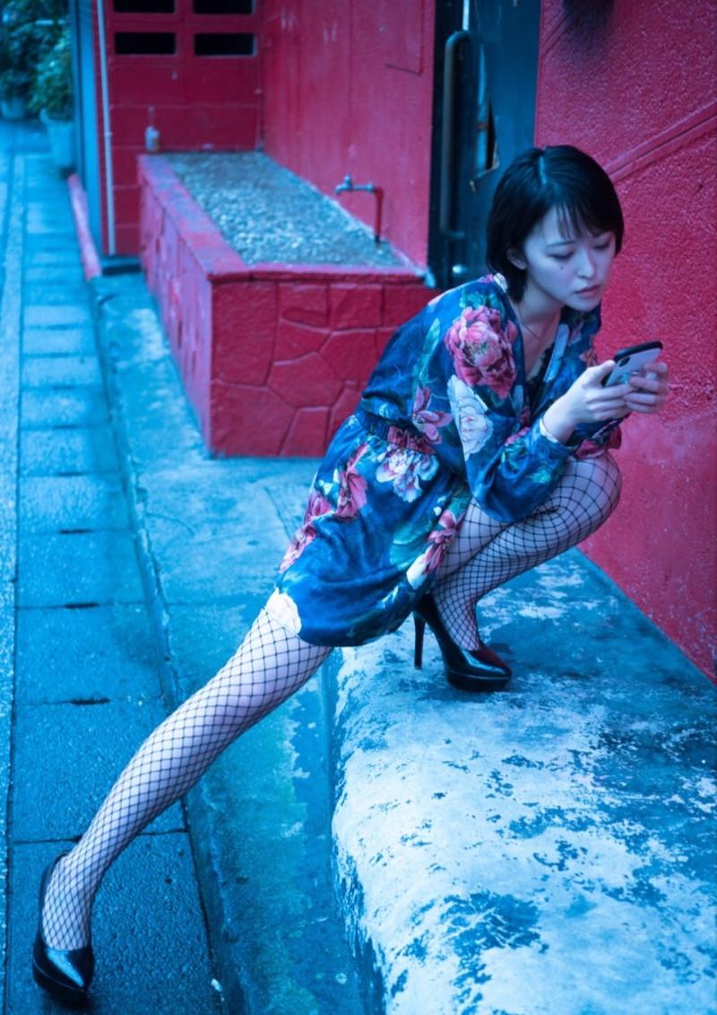 【忍野さらキャプ画像】マイクロビキニやスーパーハイレグがエロ過ぎる美女! 81