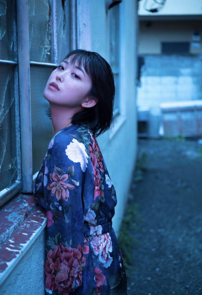 【忍野さらキャプ画像】マイクロビキニやスーパーハイレグがエロ過ぎる美女! 82