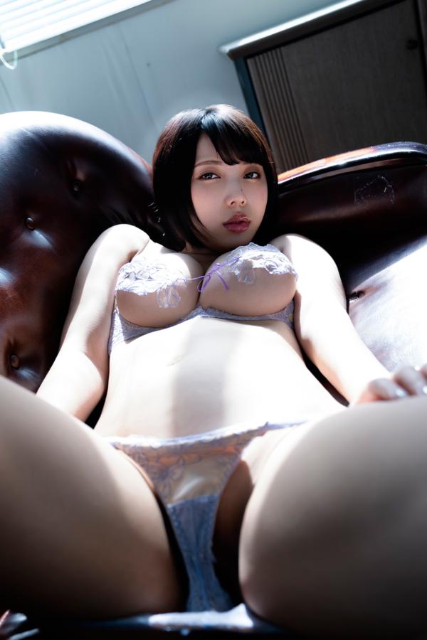 【安位カヲルキャプ画像】グラドルからAV女優転向を決めたHカップのエロ美女! 61