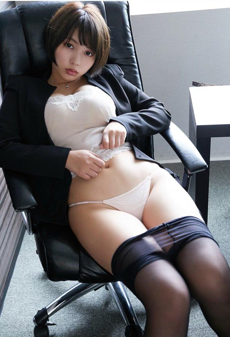 【安位カヲルキャプ画像】グラドルからAV女優転向を決めたHカップのエロ美女! 71