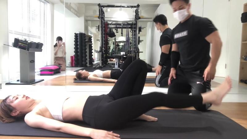 【高田秋キャプ画像】クォーター美人モデルのあられもない着衣エロ! 75