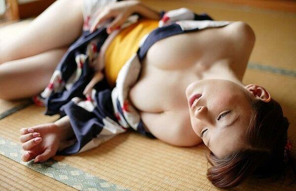 【姫始めエロ画像】日本のお正月はやっぱり着物美人と一夜を過ごしたいですね 08