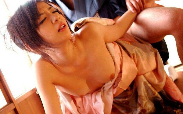 【姫始めエロ画像】日本のお正月はやっぱり着物美人と一夜を過ごしたいですね 13
