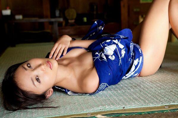 【姫始めエロ画像】日本のお正月はやっぱり着物美人と一夜を過ごしたいですね 18