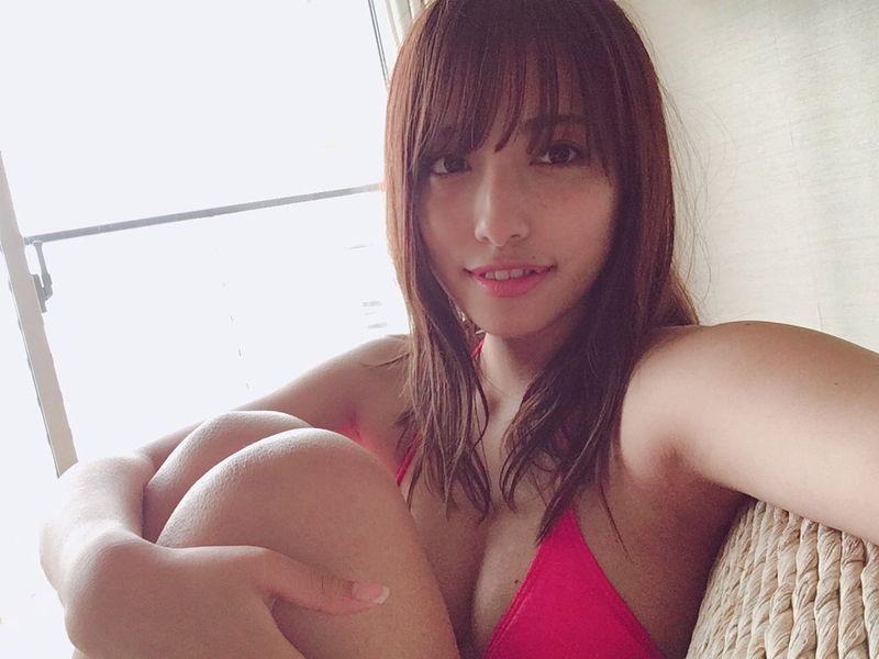 【高梨瑞樹グラビア画像】現役女子大生グラビアアイドルがいきなりマンスジ!? 72