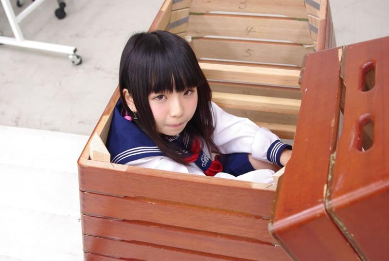 【唯原ひなせエロ画像】童顔小柄で可愛くてちょっとエッチなコスプレイヤー 12