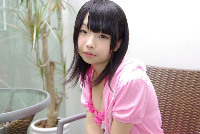 【唯原ひなせエロ画像】童顔小柄で可愛くてちょっとエッチなコスプレイヤー 16
