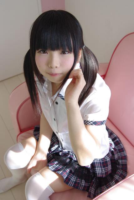 【唯原ひなせエロ画像】童顔小柄で可愛くてちょっとエッチなコスプレイヤー 27