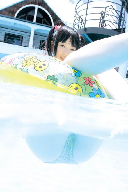【唯原ひなせエロ画像】童顔小柄で可愛くてちょっとエッチなコスプレイヤー 35