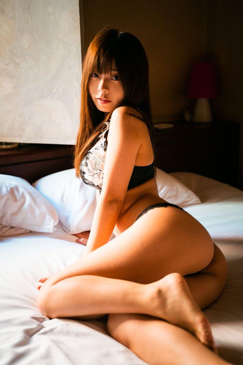 【柚月彩那エロ画像】ミニマムボディにGカップ巨乳のアンバランスさがエロい! 38