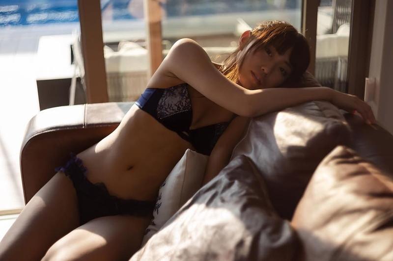 【水瀬ちかエロ画像】自称ヲタ芸能人って嘘くさいところあるけど彼女は本物? 73
