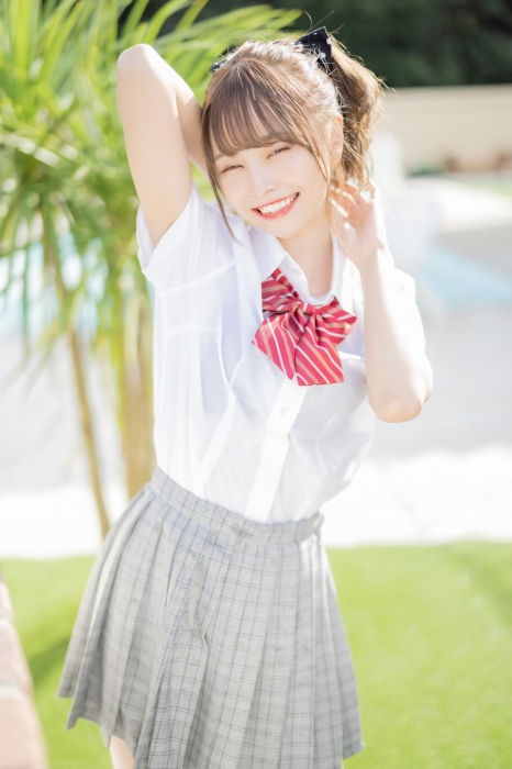 【青木りさエロ画像】近頃カワイイと話題になっている美少女アイドル 14