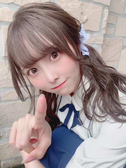 【青木りさエロ画像】近頃カワイイと話題になっている美少女アイドル 22
