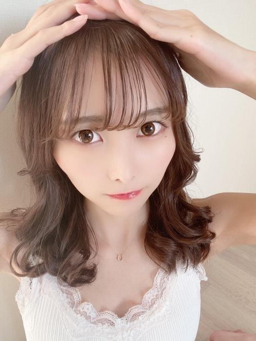 【青木りさエロ画像】近頃カワイイと話題になっている美少女アイドル 24