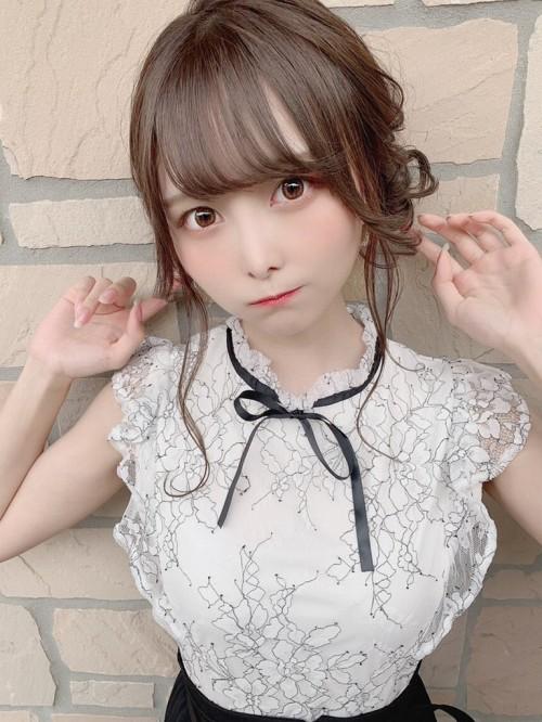 【青木りさエロ画像】近頃カワイイと話題になっている美少女アイドル 26