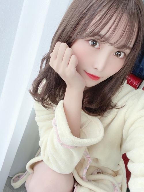 【青木りさエロ画像】近頃カワイイと話題になっている美少女アイドル 28