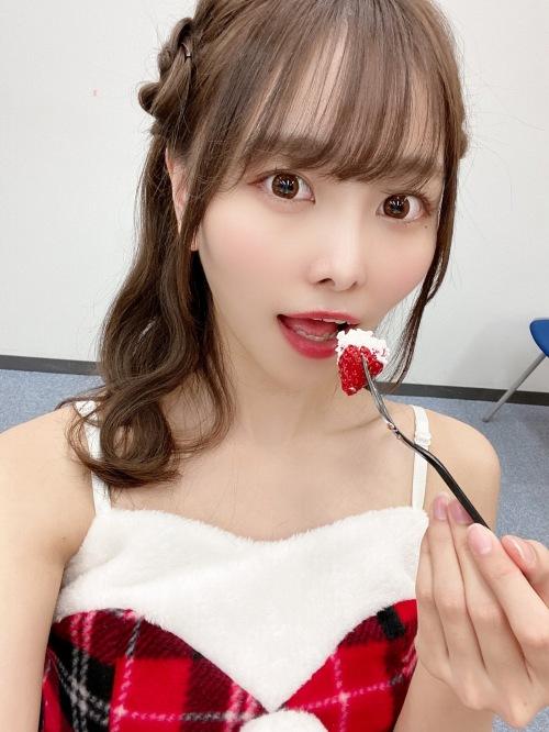 【青木りさエロ画像】近頃カワイイと話題になっている美少女アイドル 34