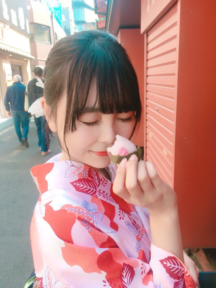 【青木りさエロ画像】近頃カワイイと話題になっている美少女アイドル 42