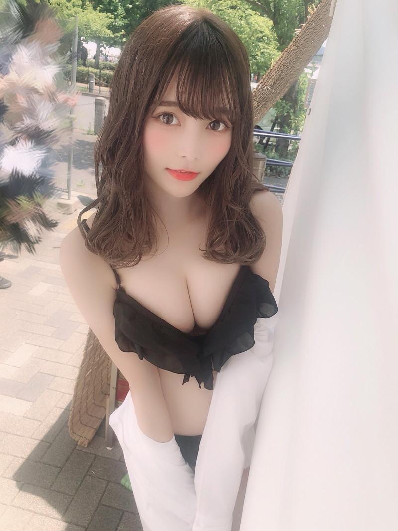 【青木りさエロ画像】近頃カワイイと話題になっている美少女アイドル 80