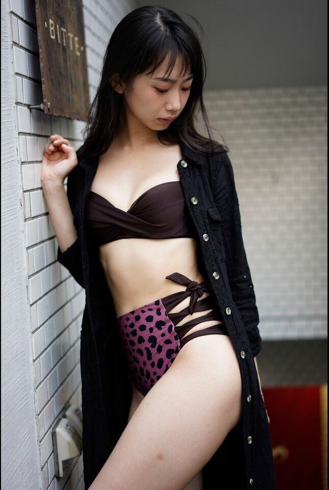 【相沢菜々子エロ画像】長身スレンダーボディが魅力のレースクイーン美女! 22