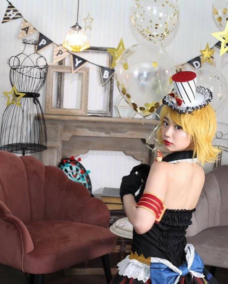 【相沢菜々子エロ画像】長身スレンダーボディが魅力のレースクイーン美女! 36