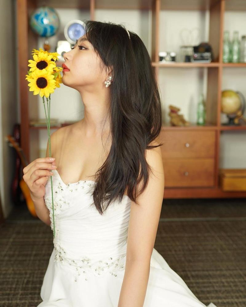 【相沢菜々子エロ画像】長身スレンダーボディが魅力のレースクイーン美女! 40