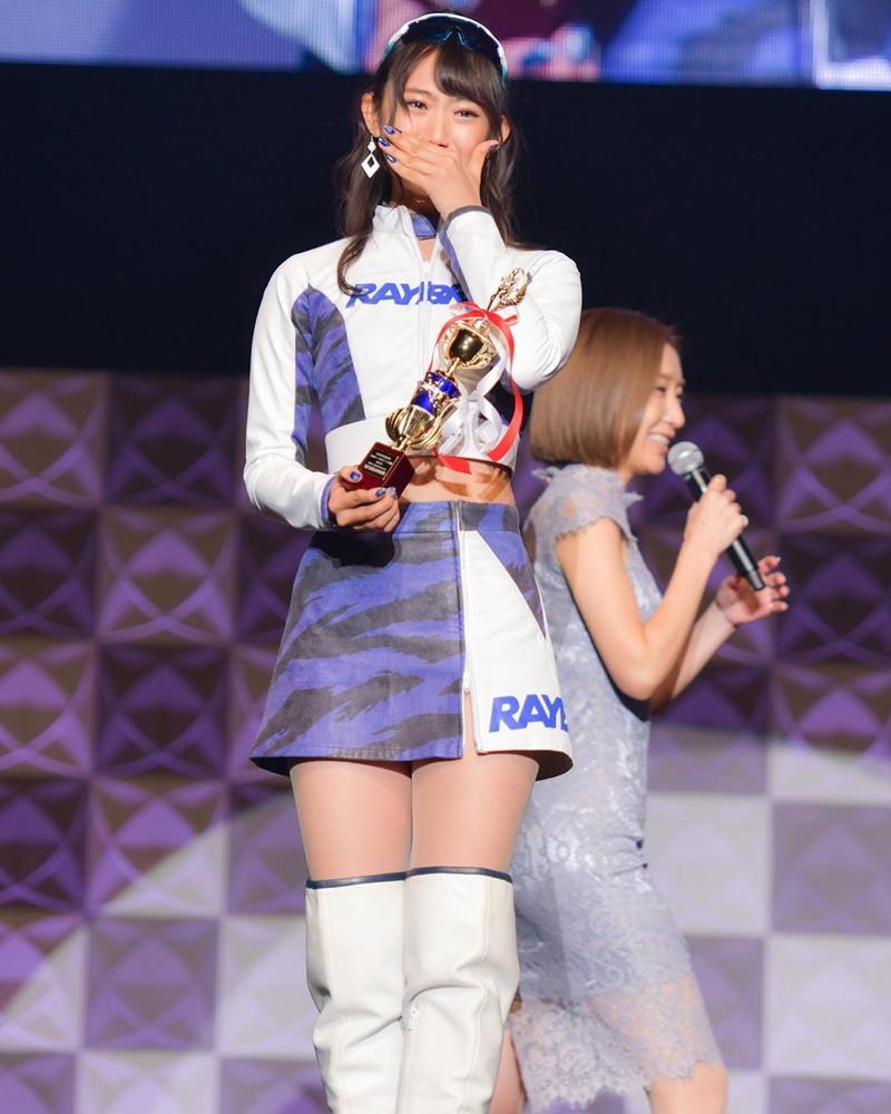 【相沢菜々子エロ画像】長身スレンダーボディが魅力のレースクイーン美女! 56