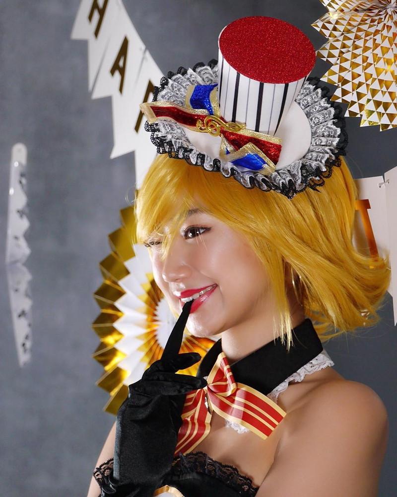 【相沢菜々子エロ画像】長身スレンダーボディが魅力のレースクイーン美女! 57