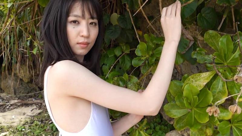 【船岡咲キャプ画像】中高生向けの元ファッションモデルが結構エロいイメージ出してるw