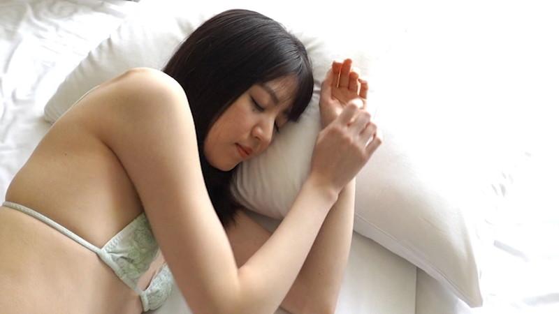 【船岡咲キャプ画像】中高生向けの元ファッションモデルが結構エロいイメージ出してるw 33