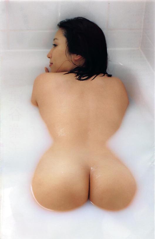 【お尻エロ画像】見てるとムラムラしてくれる性欲をソソられるお尻の美女 52