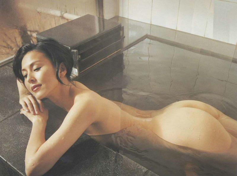 【お尻エロ画像】見てるとムラムラしてくれる性欲をソソられるお尻の美女 70