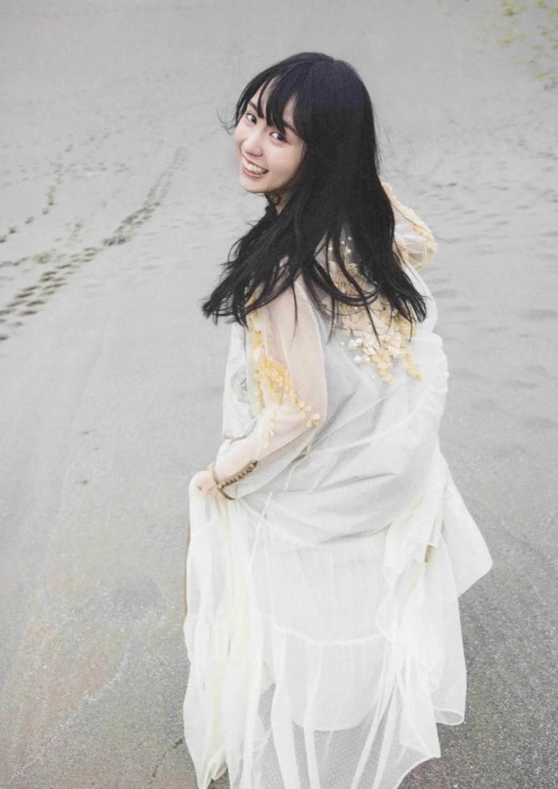 【賀喜遥香グラビア画像】太めの眉が純朴美少女って感じがして可愛い! 28