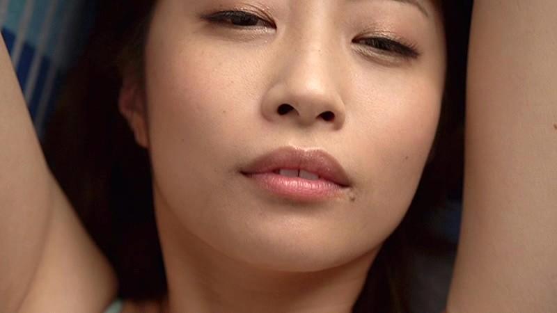 【古川真奈美キャプ画像】熟女グラドルが若い頃から撮ってきたエロシーン! 08